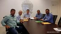 Vereador e Prefeito participam de reunião em Campo Grande/MS.