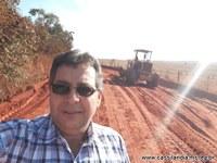 Vereador realiza visita nas estradas rurais.